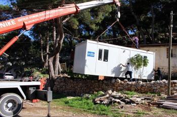 Büyükşehir'den Erol ailesine konteyner ev yaptı