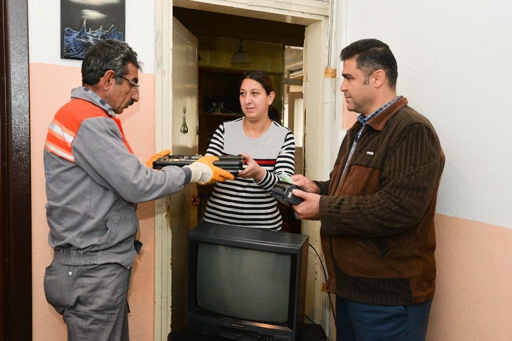 Elektronik atıklar Çevreci Komşu Kart'ta
