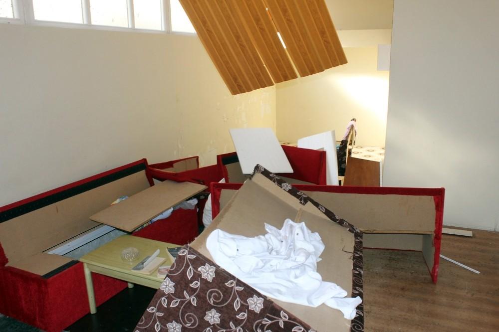 FETÖ'den kapatılan okulda tuvalet arkasında gizli toplantı salonu bulundu