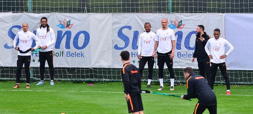 Galatasaray, çalışmalarına devam ediyor