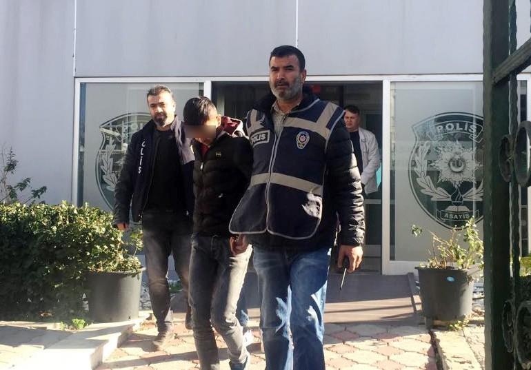 İstanbul bileti almak için genç kadının telefonunu çalmaya çalıştılar