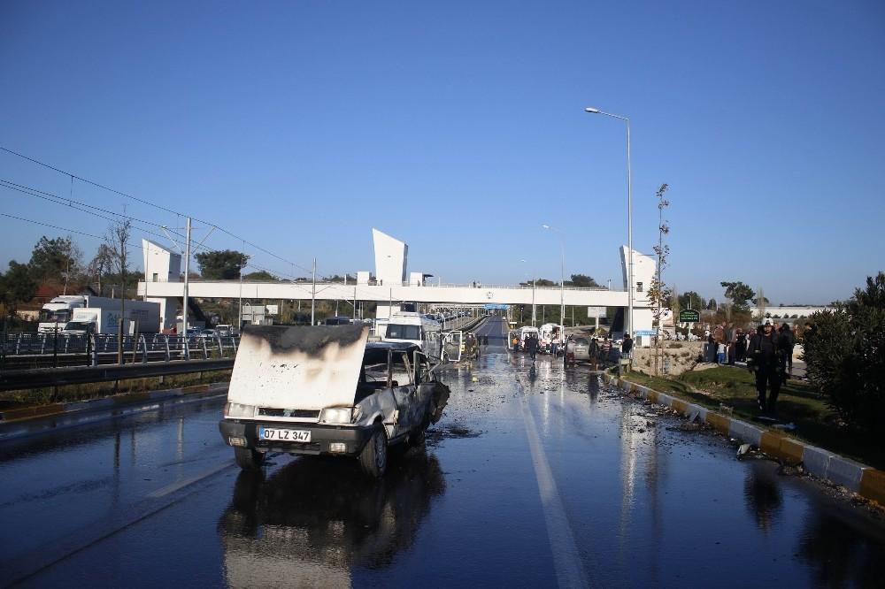 Kazada alev alan LPG'li otomobildeki 5 kişi yanmaktan son anda kurtarıldı