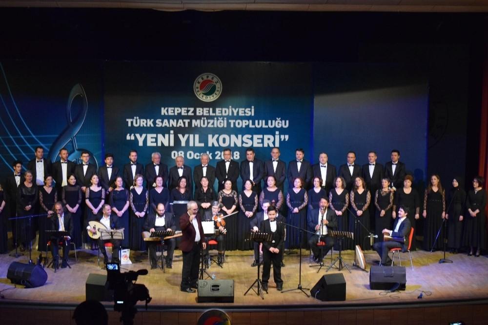Kepez TSM Korosu'ndan yeni yıl konseri