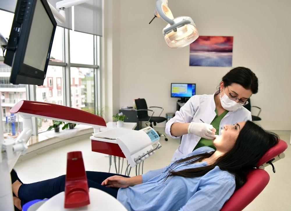 Kepez'de implant tedavisine başlanıldı