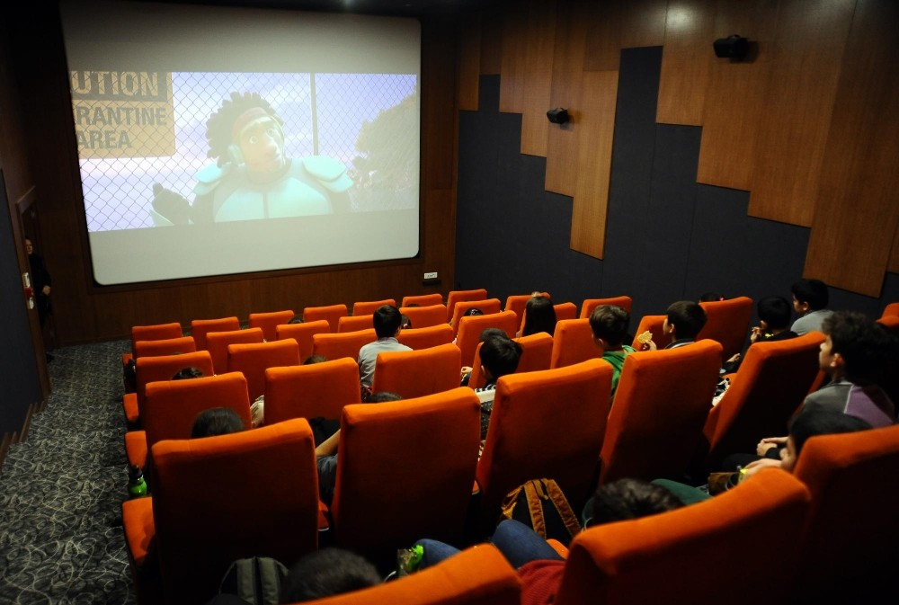 Kepezli çocukların sinema keyfi