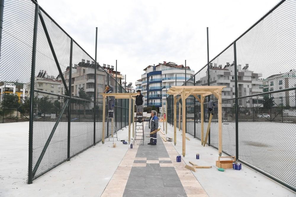Konyaaltı Hurma Mahallesi'ne spor parkı