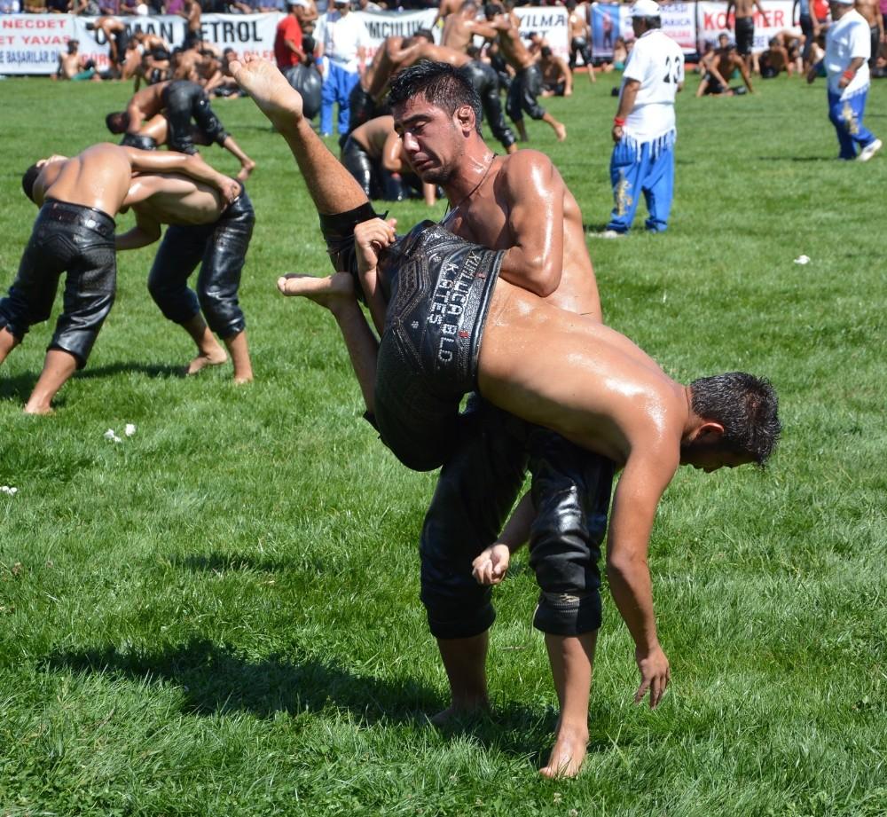 Korkuteli Altın Kiraz Güreşleri 2 Eylül'de