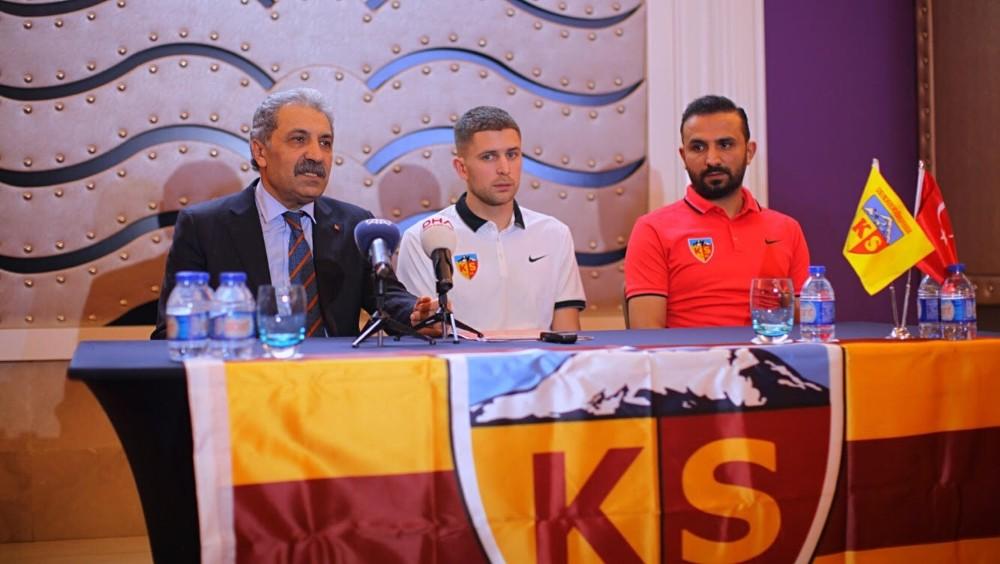 Kravets resmen Kayserispor'da