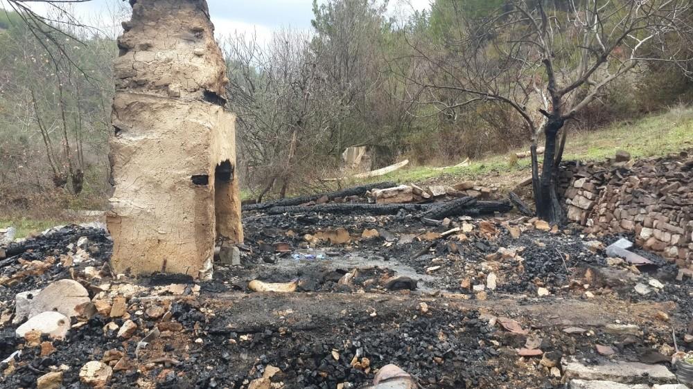 Manavgat'ta yaşlı kadın yanarak can verdi