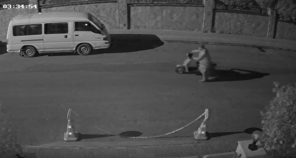 Motosiklet hırsızı güvenlik kameralarına yakalandı