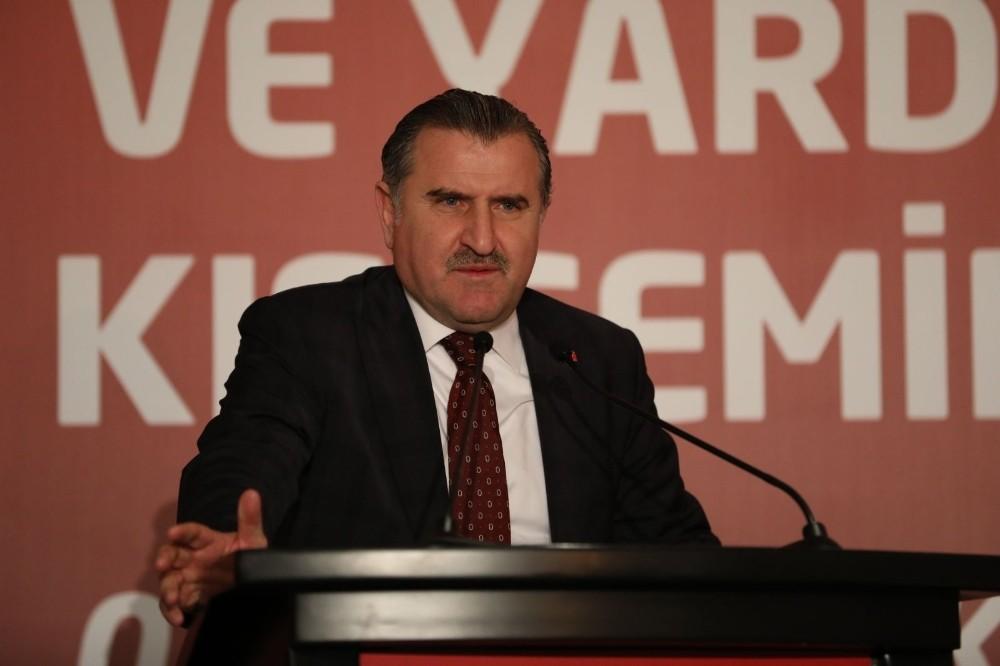 """Osman Aşkın Bak: """"İlk yarı çok çekişmeli geçti"""""""