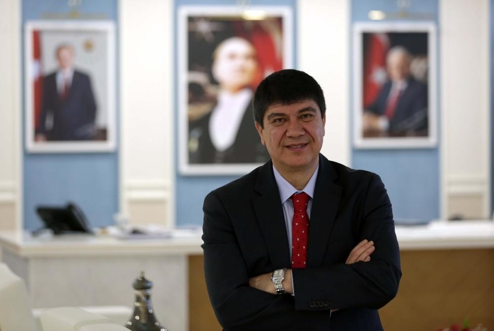 Türel, Antalya'nın proje ve fırsatlarını Katarlı yatırımcılara anlatacak