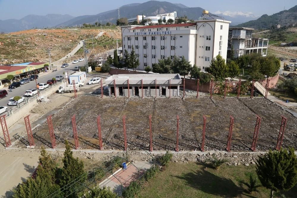 ALKÜ kapalı spor salonu inşaatına başlandı