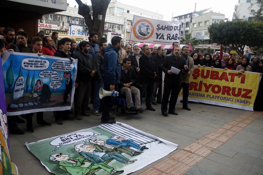 Antalya'da 28 Şubat eylemi