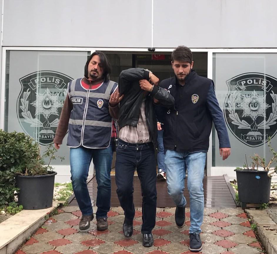 Antalya'da yaşlı adama şantajla gasp girişimi