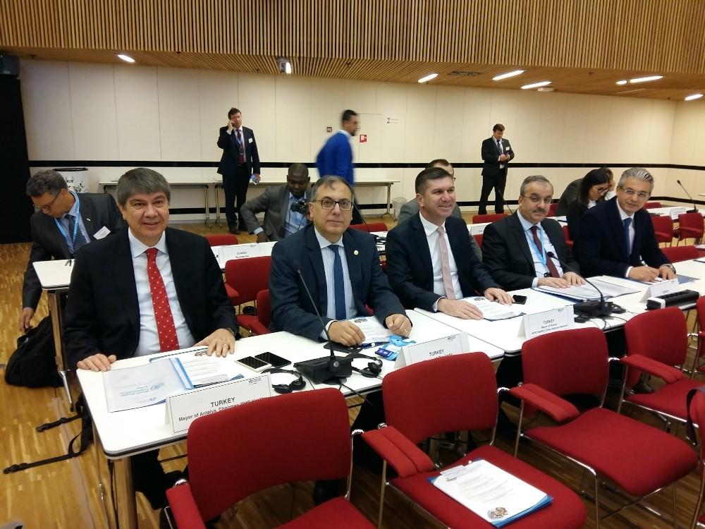 Başkan Türel DSÖ Belediye Başkanları zirvesine katıldı