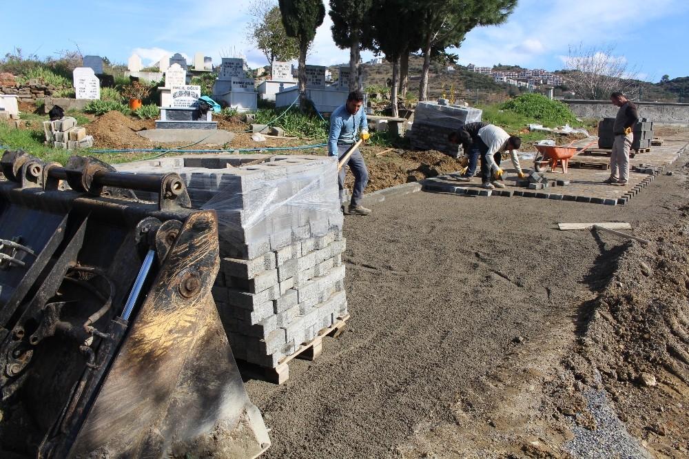 Gazipaşa'da mezarlıkların eksikleri gideriliyor