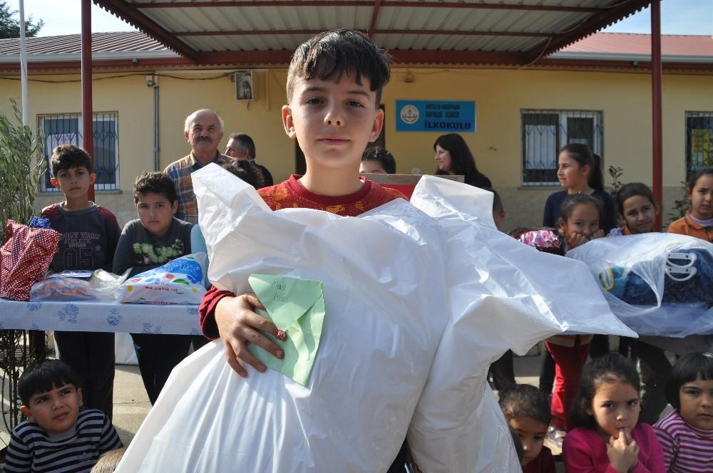 İlkokul öğrencisinden Mehmetçiğe duygulandıran hediye