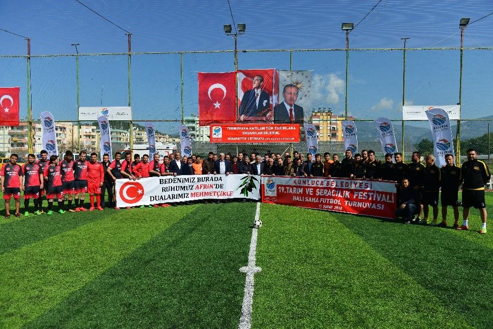 Kumluca'da halı saha turnuvası başladı