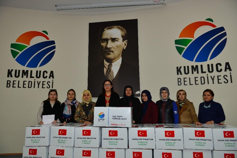Kumluca'lı Nene Hatunlar'dan Mehmetçik'e destek