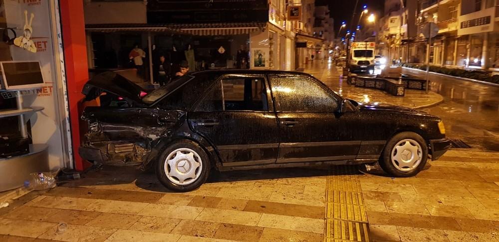 Manavgat'ta alkollü sürücüsü dehşeti: 3 yaralı