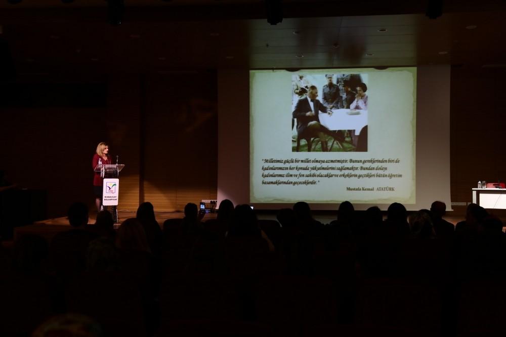 """Manavgat'ta """"Kadınlar Edebiyat Durağında"""" projesi başladı"""
