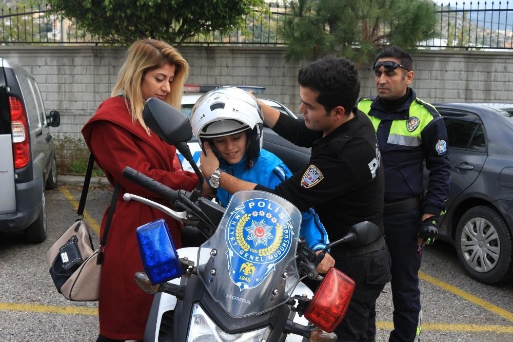 Özel öğrenciler polislik mesleği merakını giderdi