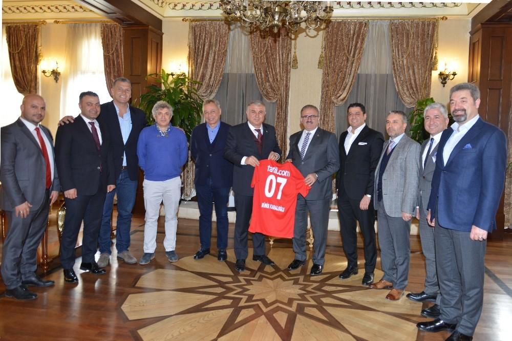 Vali Karaloğlu, Antalyaspor yönetimini ağırladı