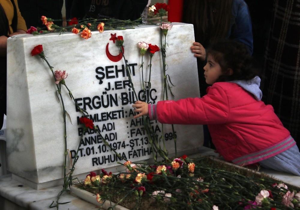 4 yaşındaki Elif Naz'ın şehit dayısına sevgisi