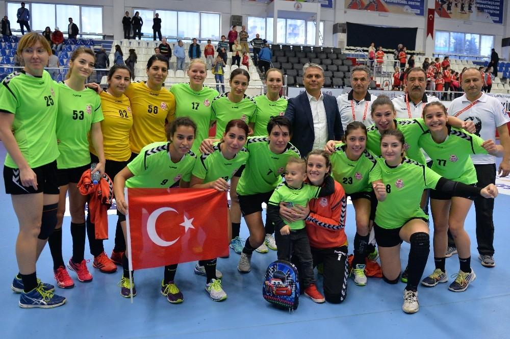 A Milli Kadın Hentbol Takımına Muratpaşa damgası