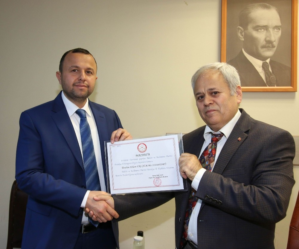 AK Parti Antalya İl Başkanı Taş, ilk toplantısını yaptı