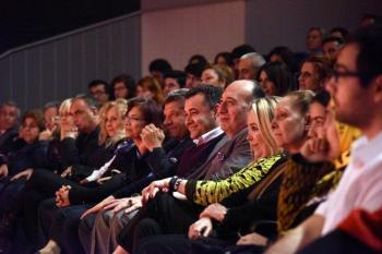 Alanya Belediye Tiyatrosu'ndan 'Karmakarışık' prömiyeri