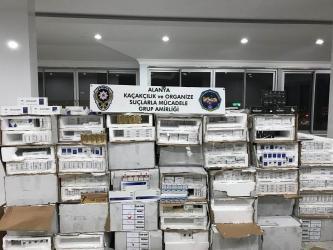 Alanya'da 54 bin 400 kaçak sigara ele geçirildi