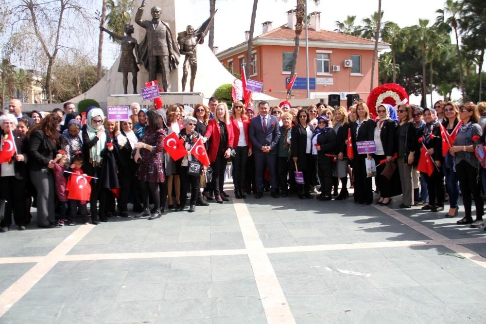 Alanya'da 'Dünya Kadınlar Günü' törenle kutlandı