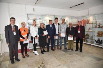 Alanya'da petshop sahiplerine sertifika