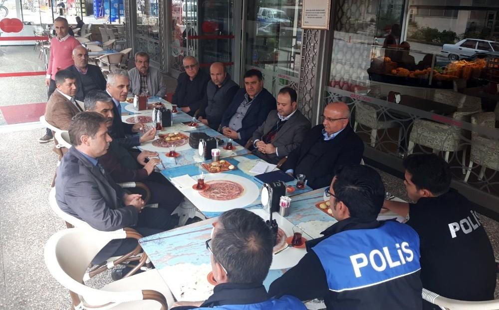 Alanya'da polis, mahalleliyle buluşmaya devam ediyor
