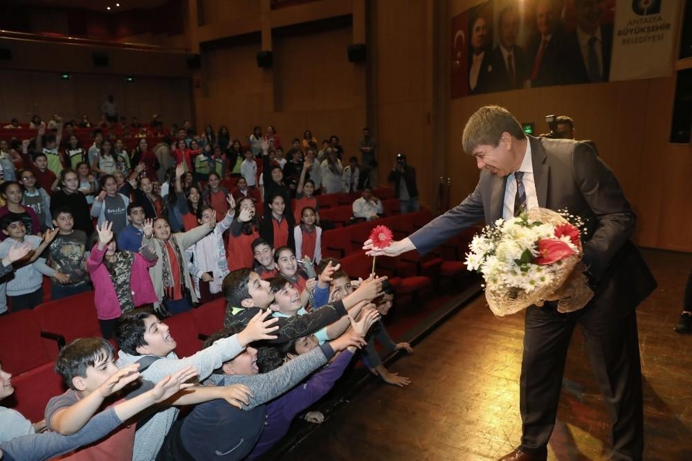 Antalya'da online eğitim dönemi başladı