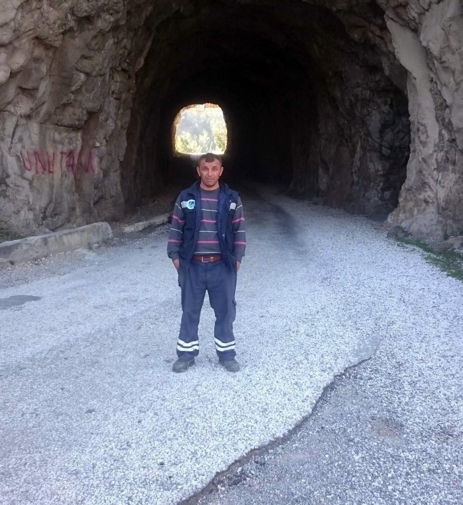 Antalya'da toprak altında kalan diğer işçi de hayatını kaybetti