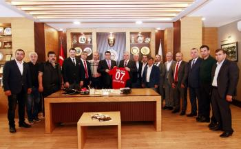 Antalyaspor Başkanı Bulut, Esnaf Odası'nda