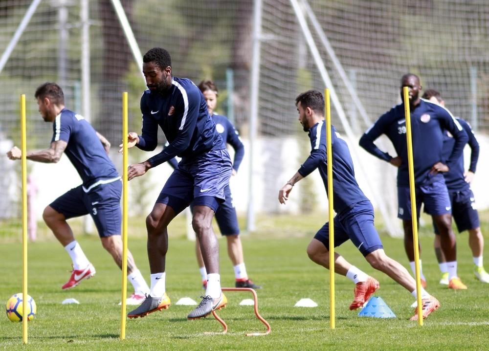 Antalyaspor, Kasımpaşa hazırlıklarını sürdürdü