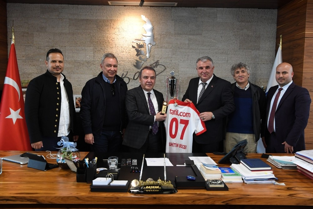 Antalyaspor'dan Başkan Böcek'e teşekkür