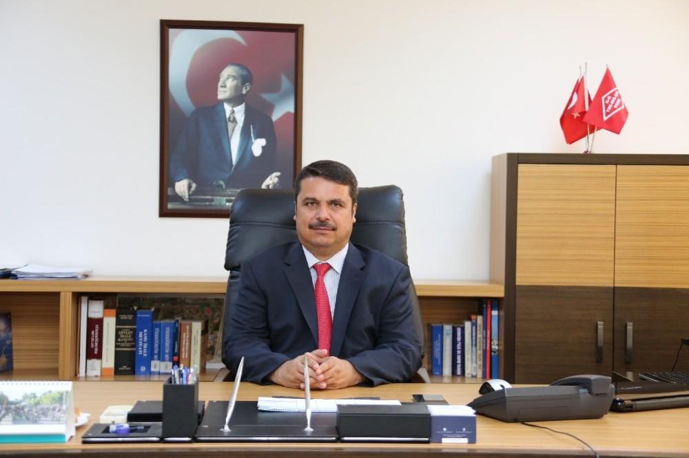 AÜ Rektör Yardımcısı FETÖ davasından beraat etti