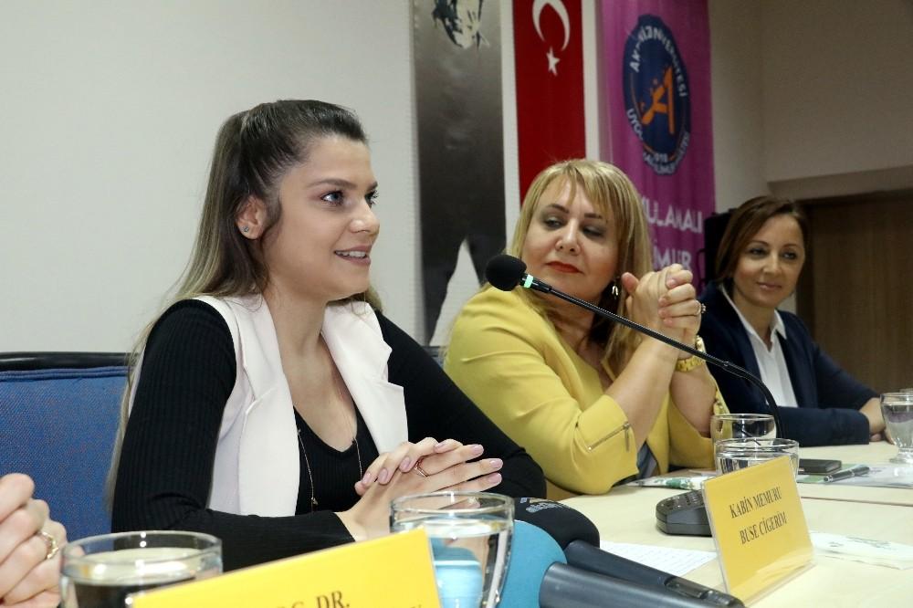 Başarılı iş kadınları, üniversiteli gençlerle deneyimlerini paylaştı