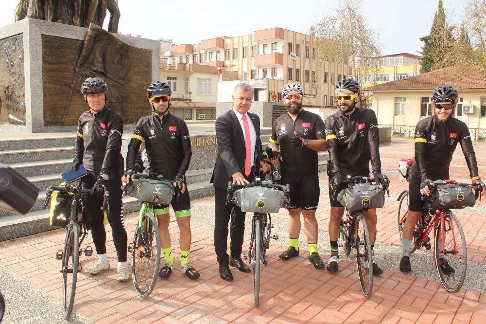 Bisikletçiler, Çanakkale yolunda