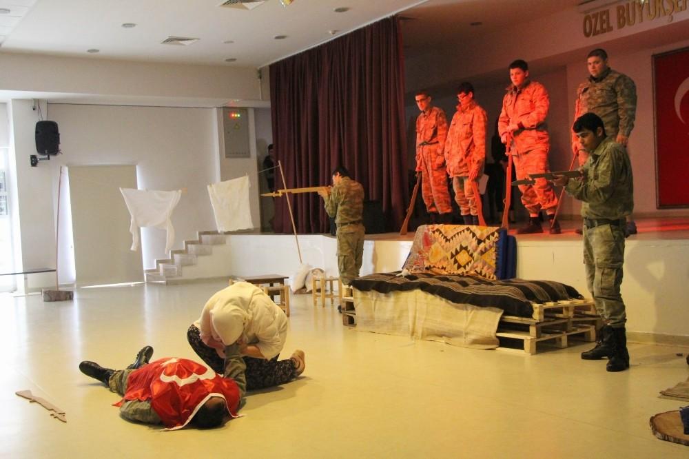 Büyükşehirin özel öğrencileri Çanakkale Destanı'nı canlandırdı