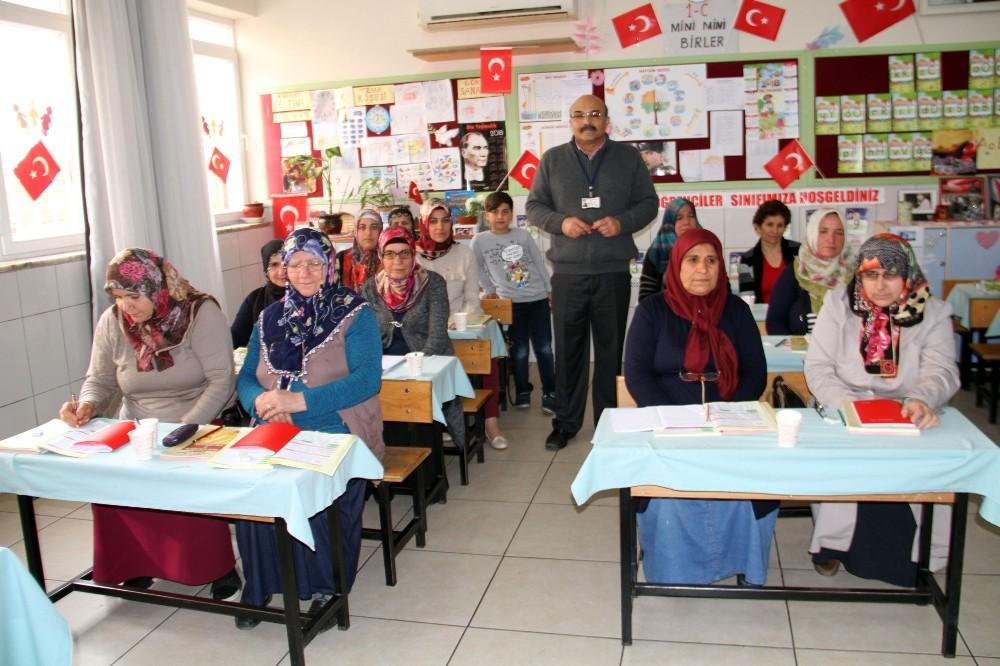 Cumhurbaşkanı Erdoğan'ın başlattığı okuma yazma seferberliğine Alanya'dan yoğun ilgi