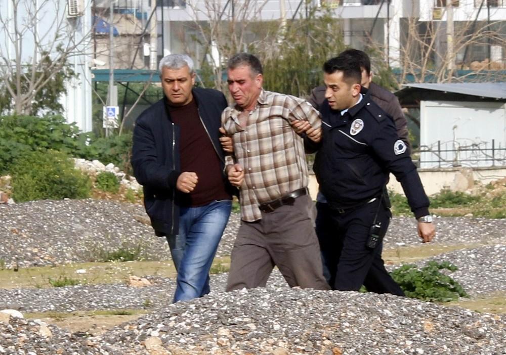 İntihardan vazgeçip polisten kaçtı