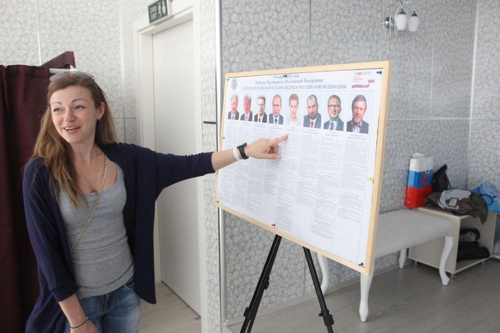 Kemer'de yaşayan Rus gelinler sandık başında