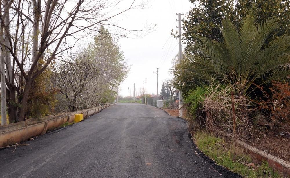 Kepez'de 6 mahalleye sıcak asfalt