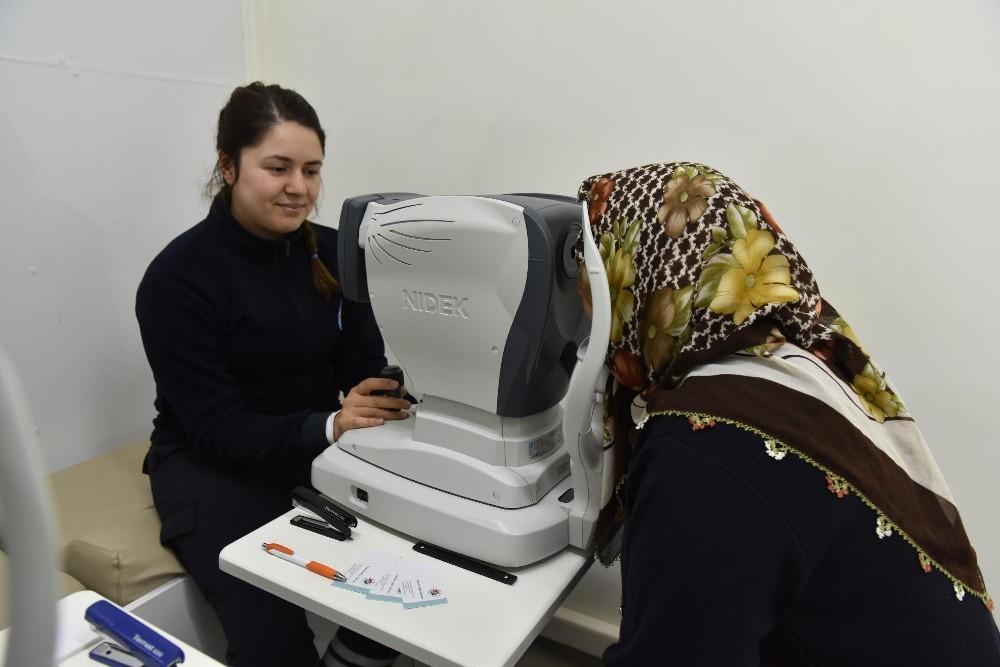 Kepez'in 'Sağlık Tırı' Çamlıca'da